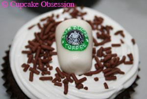starbucks-cup-cupcake